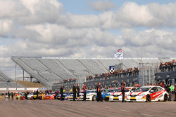 Cars line up for start of Free Practice 2