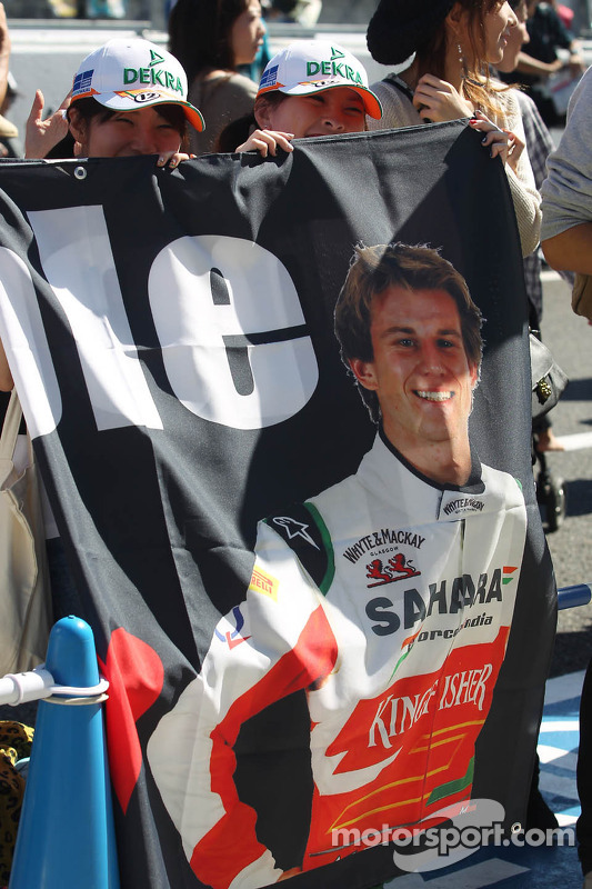 Nico Hulkenberg, Sahara Force India F1 fans in pitlane