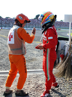 Fernando Alonso, Ferrari crash bij de start