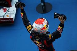 Winner Sebastian Vettel, Red Bull Racing celebrates in parc ferme