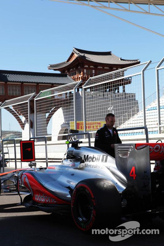 McLaren MP4/27 of Lewis Hamilton, McLaren