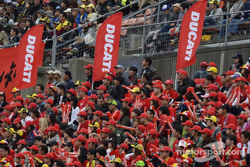 Ducati fans