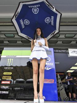 Lovely Yamaha girl