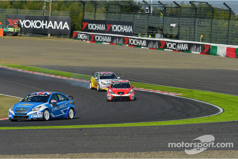 Yvan Muller, Chevrolet Cruze 1.6T, Chevrolet, Gabriele Tarquini, SEAT Leon WTCC, Lukoil Racing Team