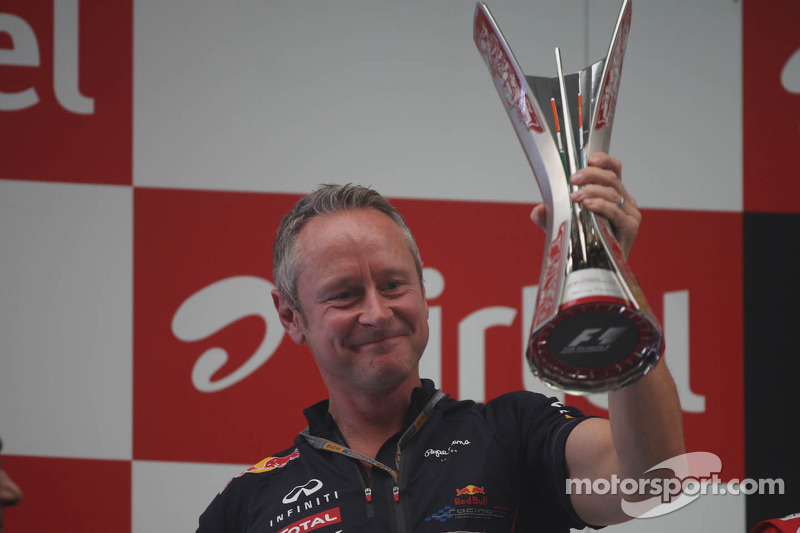 Jonathan Wheatley, Red Bull Racing Team Manager viert op het podium