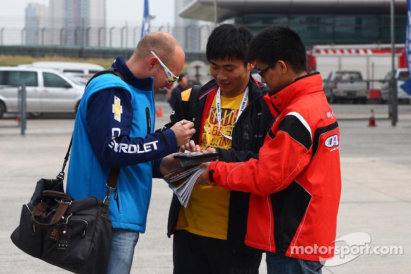 Robert Huff, Chevrolet Cruze 1.6T, Chevrolet met fans