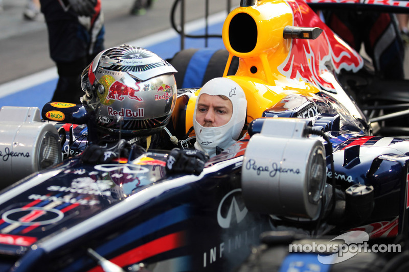 Sebastian Vettel, Red Bull Racing start vanuit de pitlane