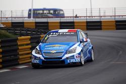 Yvan Muller, Chevrolet Cruze