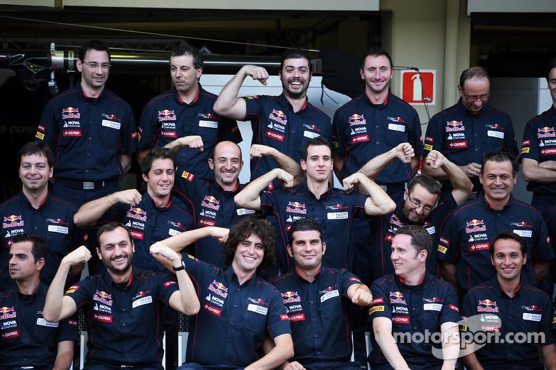 Scuderia Toro Rosso team photograph