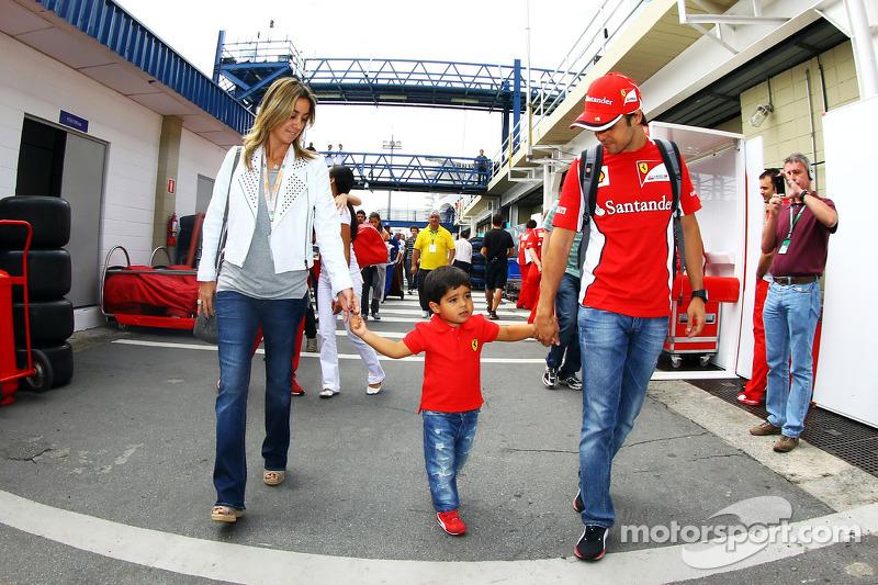 Felipe Massa, Ferrari with his wife Rafaela Bassi, and son Felipinho