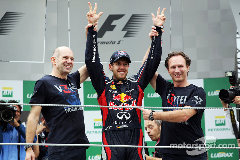 Sebastian Vettel, Red Bull Racing viert wereldtitel met Adrian Newey, Red Bull Racing Chief Technica