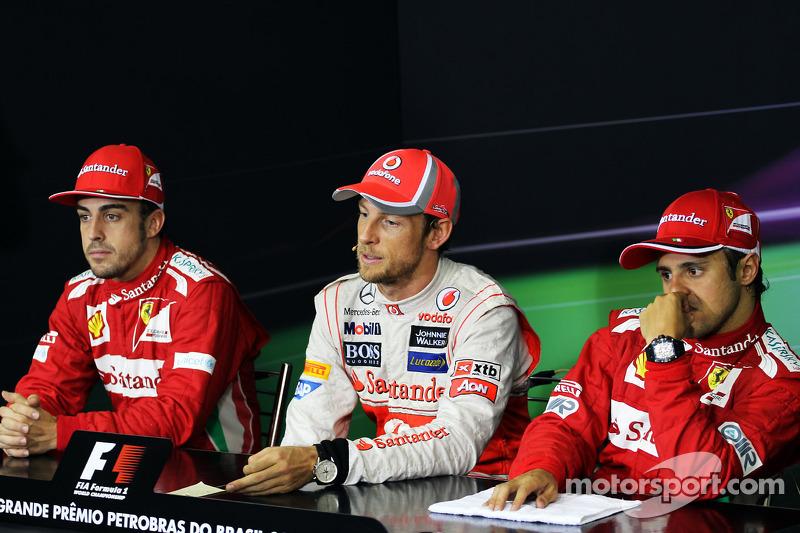 Дженсон Баттон, Фернандо Алонсо и Фелипе Масса. ГП Бразилии, Воскресенье, после гонки.