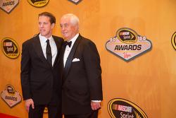 2012 champion Brad Keselowski with team owner Roger Penske