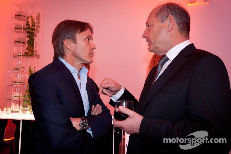 Адриан Фернандес. Презентация McLaren P1 для Северной Америки, Майами, презентация.