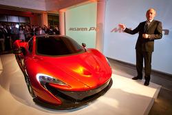 Ron Dennis presenta el McLaren P1
