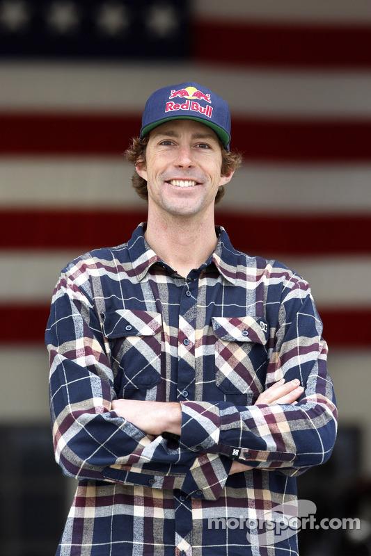 Travis Pastrana anunciado pela Roush-Fenway Racing