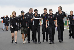 Sergio Perez, Force India walks the track with Bernie Collins, Force India Strategy Engineer and the team