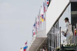 المنصة: المركز الثالث فالتيري بوتاس، مرسيدس