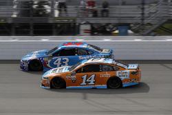 Эрик Алмирола, Richard Petty Motorsports Ford и Клинт Боуйер, Stewart-Haas Racing Ford