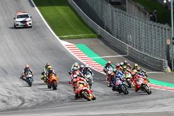 Le départ, Marc Marquez, Repsol Honda Team, en tête