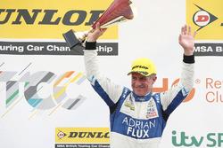 Podyum: Yarış galibi Jason Plato, Team BMR Subaru Levorg