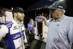 Ed Jones, Dale Coyne Racing Honda, mit Robin Miller, NBC