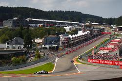 Felipe Massa, Williams FW40, Carlos Sainz Jr., Scuderia Toro Rosso STR12