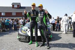 #16 Change Racing Lamborghini Huracan GT3: Corey Lewis, Jeroen Mul, feiern Platz 1 GTD