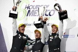 Podio GTE Am: ganadores #77 Dempsey Proton Competition Porsche 911 RSR: Christian Ried, Matteo Cairoli, Marvin Dienst