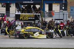 Trevor Bayne, Roush Fenway Racing Ford pit stop