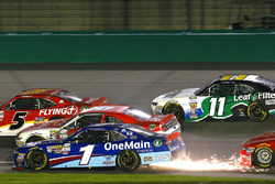 Elliott Sadler, JR Motorsports Chevrolet e Ryan Reed, Roush Fenway Racing Ford