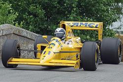 Lotus 102, яким керували Дерек Ворвік, Мартін Донеллі та Джонні Херберт у сезоні 1990 року