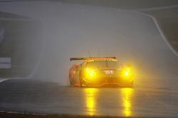 #61 Clearwater Racing Ferrari 488 GTE: Weng Sun Mok, Keita Sawa, Matt Griffin