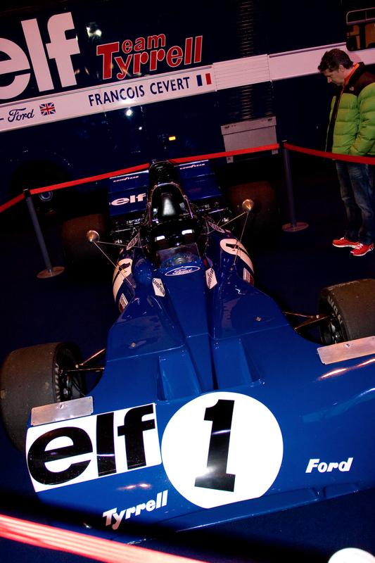 Jackie Stewarts com o carro 003 Tyrell F1