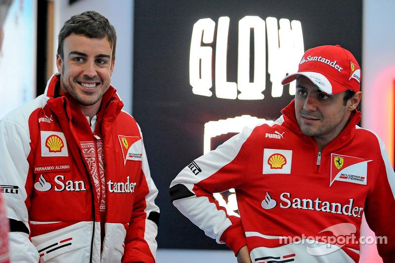 2013 - Ferrari - Fernando Alonso 242 X 112 Felipe Massa