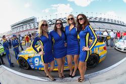 Curvaer Motorsports Girls
