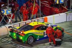 Pit stop for #64 Scuderia Corsa Ferrari 458: Chico Longo, Raphael Matos, Xandinho Negrao, Daniel Serra