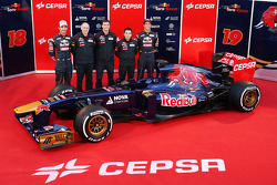 Jean-Eric Vergne, Scuderia Toro Rosso; Franz Tost, Scuderia Toro Rosso Team Principal; James Key, Scuderia Toro Rosso Technical Director; Daniel Ricciardo, Scuderia Toro Rosso, with the new Scuderia Toro Rosso STR8