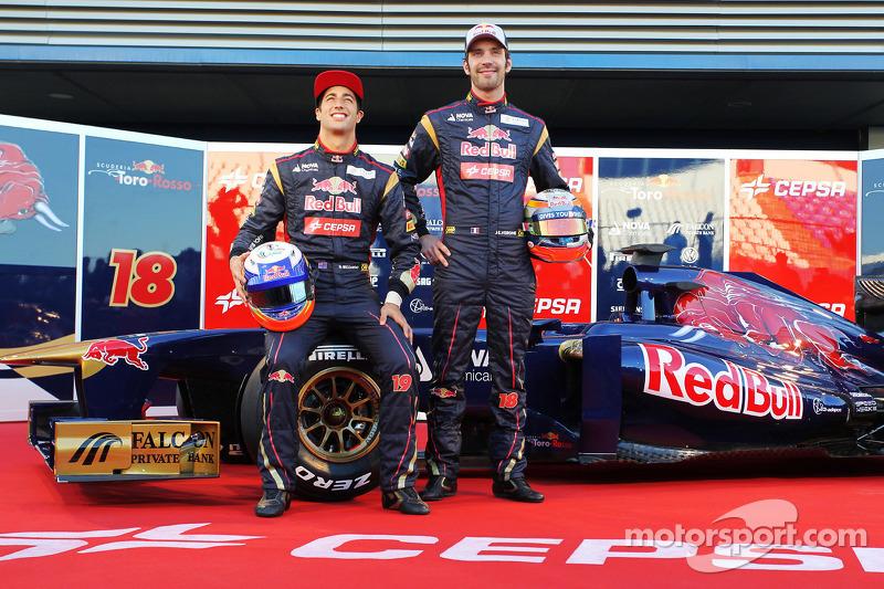 Daniel Ricciardo, Scuderia Toro Rosso en teamgenoot Jean-Eric Vergne, Scuderia Toro Rosso met de nieuwe Scuderia Toro Rosso STR8