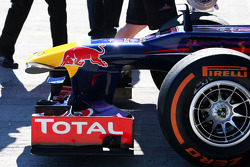 Red Bull Racing RB9 front wing and nosecone