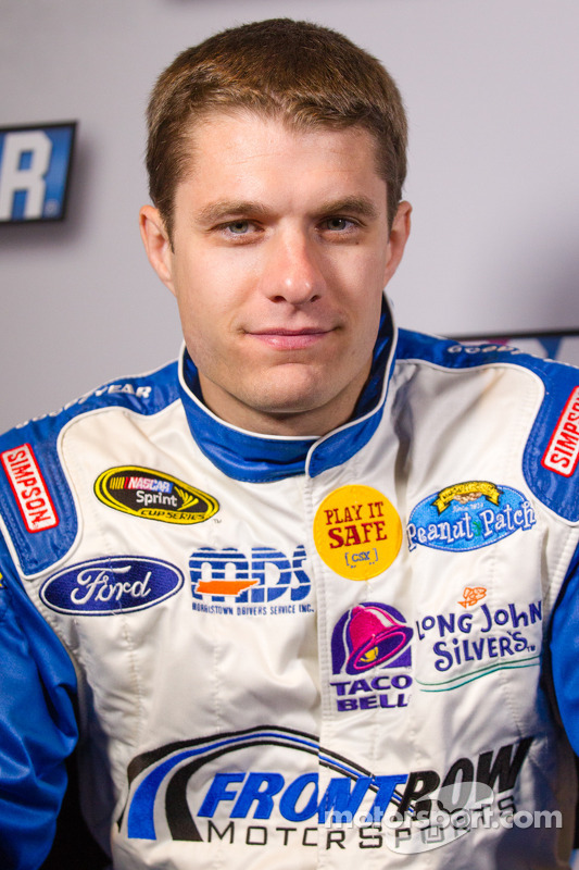 David Ragan, Front Row Motorsports Ford, e J. J. Yeley, Tommy Baldwin Racing Chevrolet