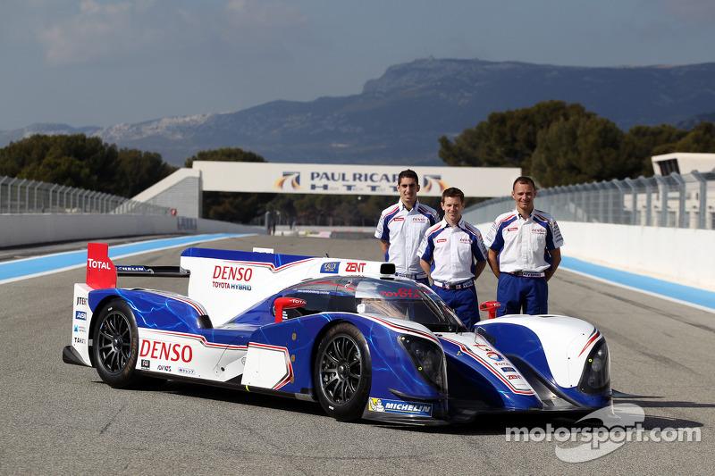 Энтони Дэвидсон, Стефан Сарразен и Себастьен Буэми. Презентация Toyota TS030 Hybrid, презентация.