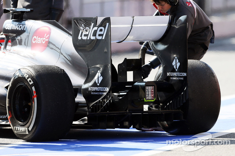 Nico Hulkenberg, Sauber C32 rear wing and rear diffuser