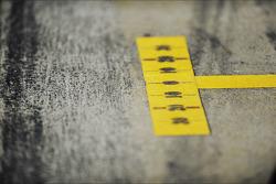 Marcas de guía en la recta de pits