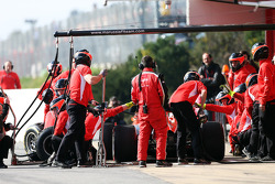 Jules Bianchi, Marussia F1 Team MR02 practices a pit stop