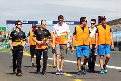Paul di Resta, Sahara Force India F1 walks the circuit