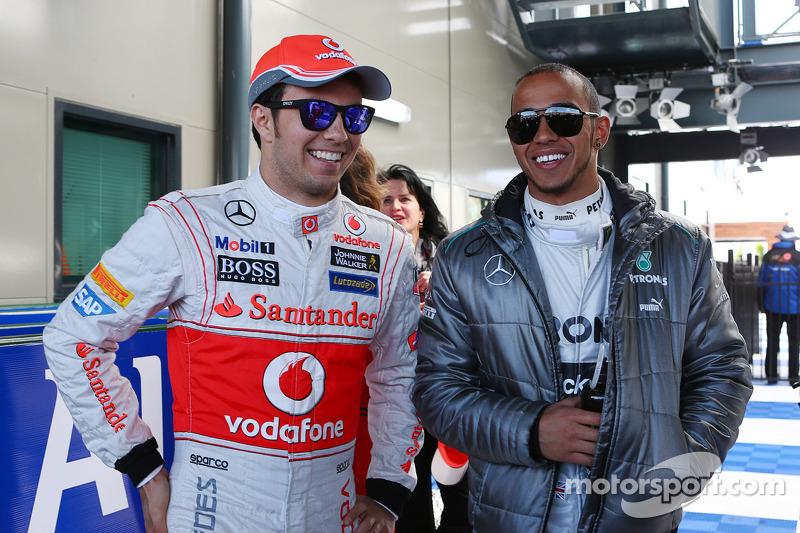 Sergio Pérez, McLaren Y Lewis Hamilton, Mercedes AMG F1