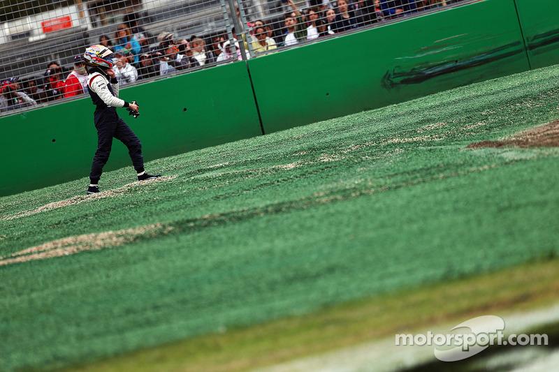 Pastor Maldonado, Williams FW35 se retira de la carrera