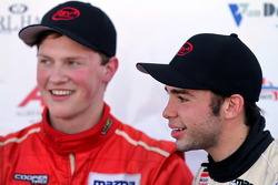 Racewinnaar Scott Hargrove en 3e plaats Danilo Estrela