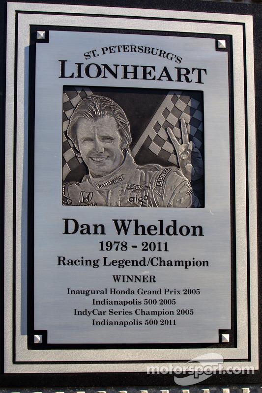 Dan Wheldon Memorial e a inauguração do círculo da cerimônia de vitória: detalhe